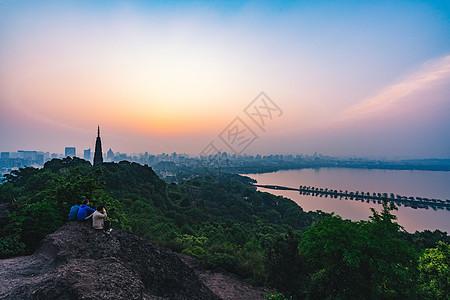西湖长桥雷峰塔图片