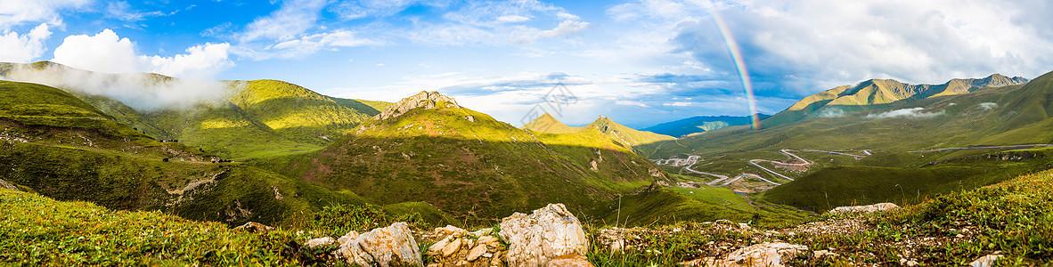山间的彩虹图片