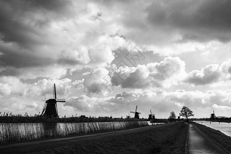 黑白风光荷兰风车剪影图片