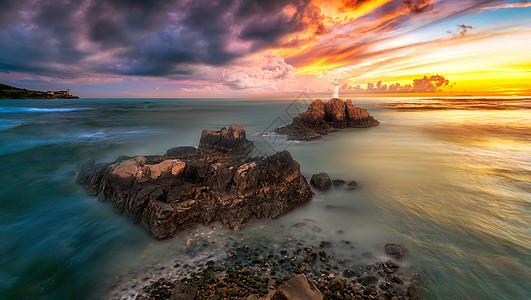 彩霞中的海景图片
