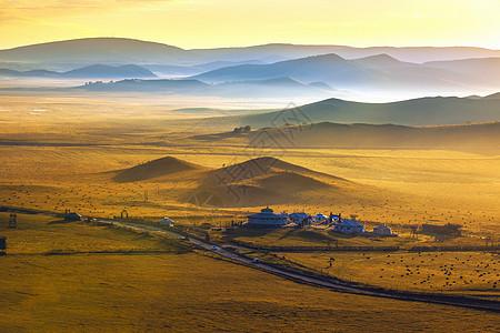 草原平流雾图片