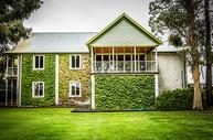 新西兰葡萄酒庄的建筑图片