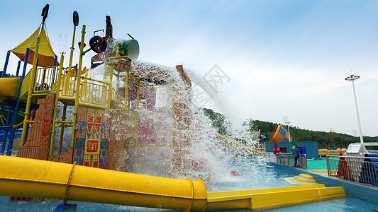 水上乐园设施图片