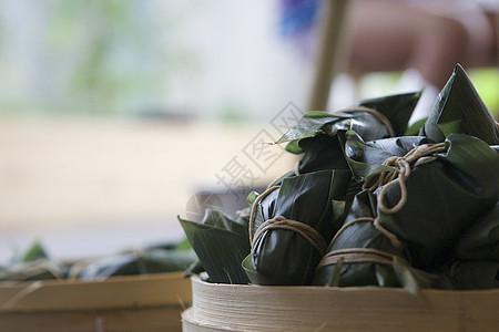 端午佳节包粽子粽香四溢庆端午图片