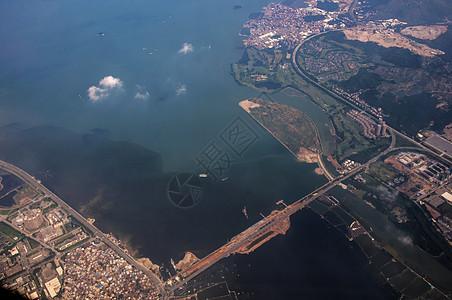 飞越海峡图片