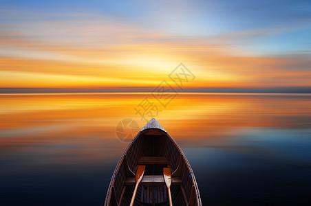 湖面的小船图片