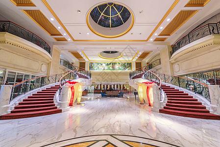 宽敞明亮豪华酒店大厅图片