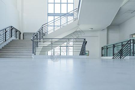 回旋楼梯大学校园图片