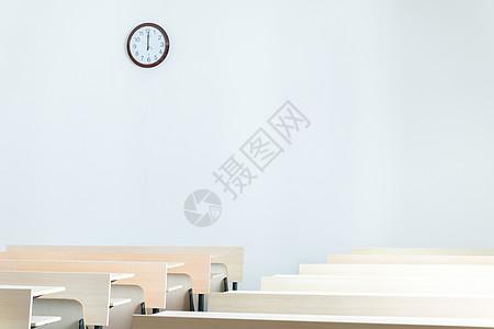 毕业季校园空荡荡的大学教室高清图片