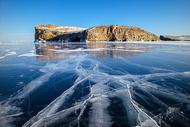 湖面冰裂 资本寒冬图片
