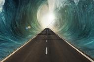 海底漩涡中的公路图片