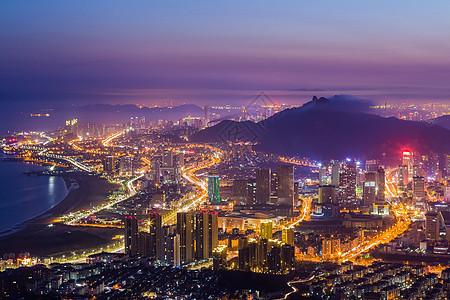 繁华的海边城市夜景图片