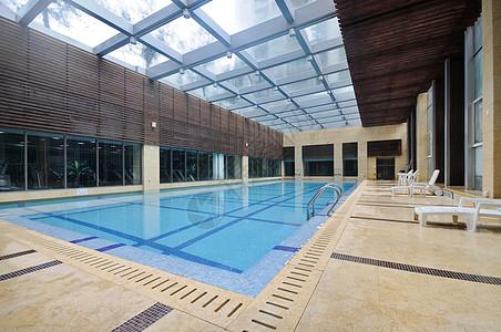 室内游泳池图片