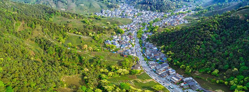 莫干山自然风景山谷中的小镇图片
