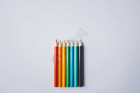 七色铅笔图片