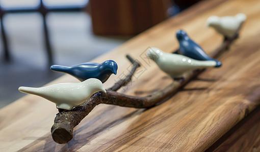 陶瓷小鸟摆件图片