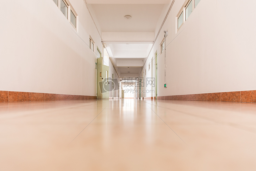 校园教室明亮纵伸走廊过道图片素材_免费下载_jpg图片