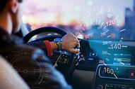 开车的人 汽车 速度图片