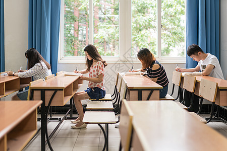 学校学习毕业考试图片