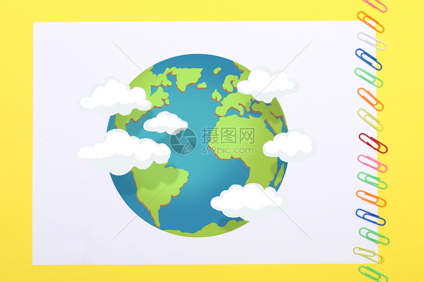手绘绿色地球彩铅背景
