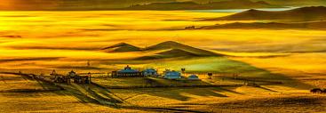 坝上草原晨雾图片