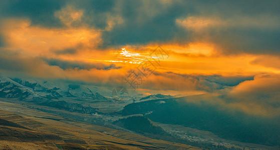 卓尔山日出图片