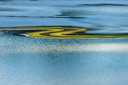 美丽的纳帕海图片