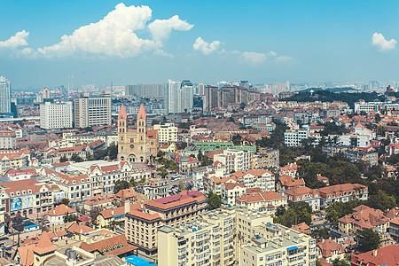 蓝天白云的老城区图片
