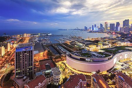 繁华海滨城市夜景图片