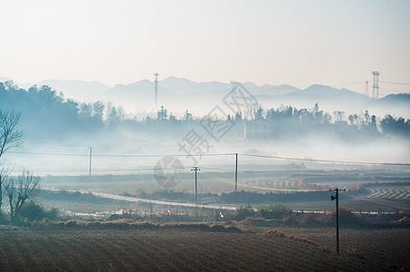 清晨-春节放鞭炮过后的雾气图片