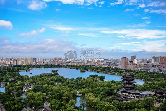 大明湖全景图片