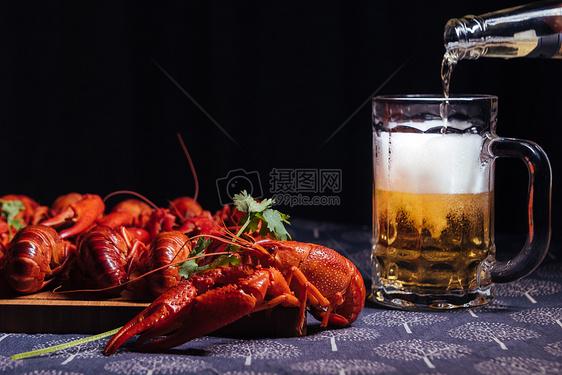 夏天龙虾啤酒图片