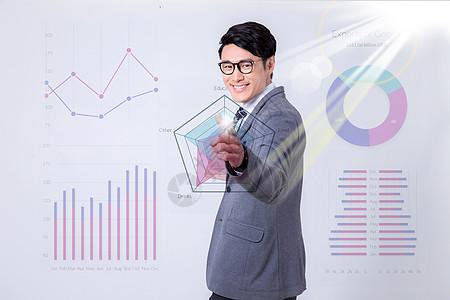 男青年商务办公数据分析图图片