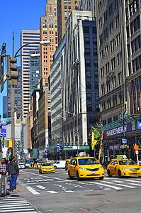 纽约城市街道和出租车图片