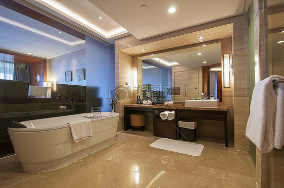 高级酒店的洗手间图片
