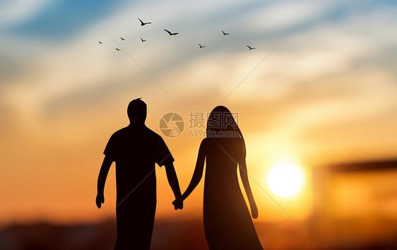 創意手繪-黃昏天空下牽手情侶剪影