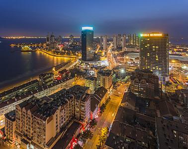 沿海城市夜景图片
