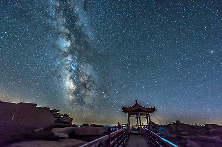 夜空银河图片