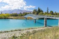 新西兰蓝湖和桥图片