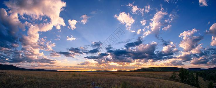 草原日落图片