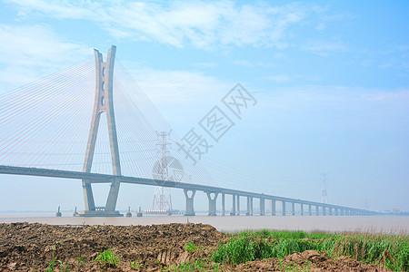 大桥和轮船图片
