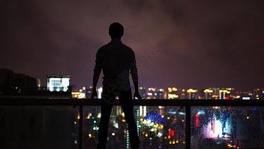 一个人的城市图片