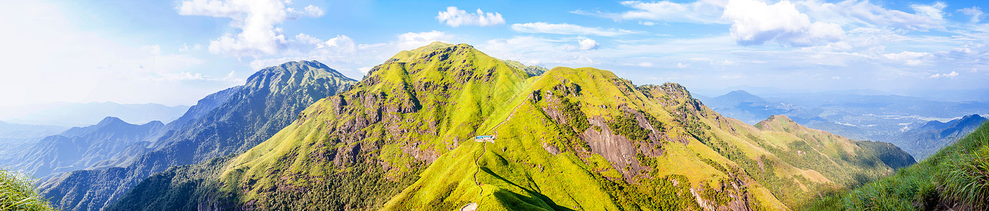 武功山绝望坡上草甸全景图片