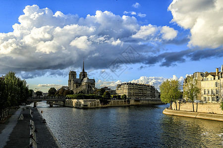 巴黎圣母院全景图片