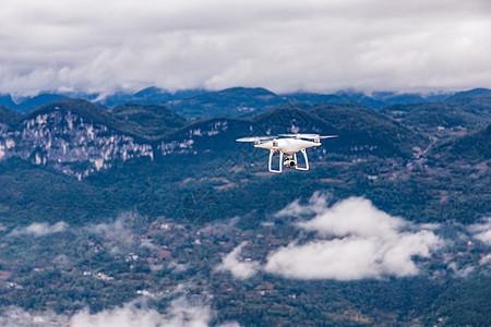 天空无人机拍摄图片