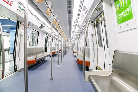不对称地铁车厢内部图片