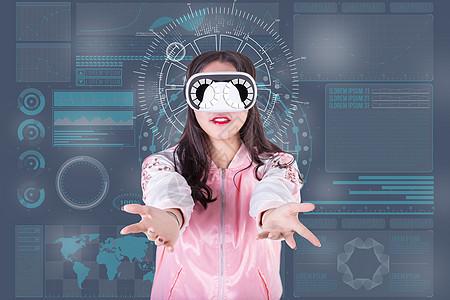 活泼可爱女性体验智能VR图片