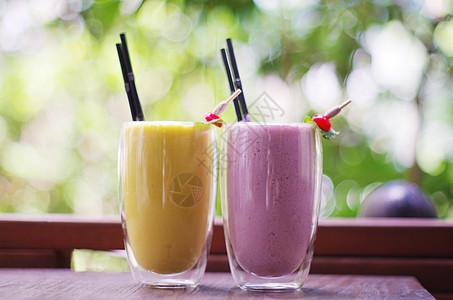 夏日冰饮芒果冰沙果莓冰沙图片