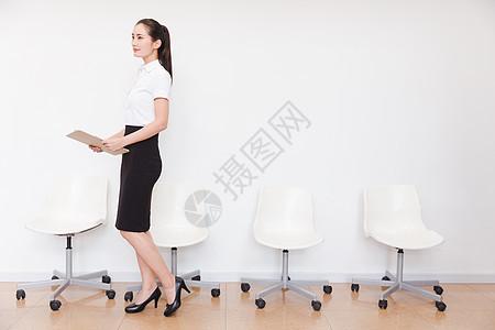 职业美丽女性求职面试等待图片