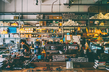 复古咖啡馆场景图片
